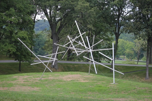 Kenneth Snelson Free Ride Home tensegrity 1974